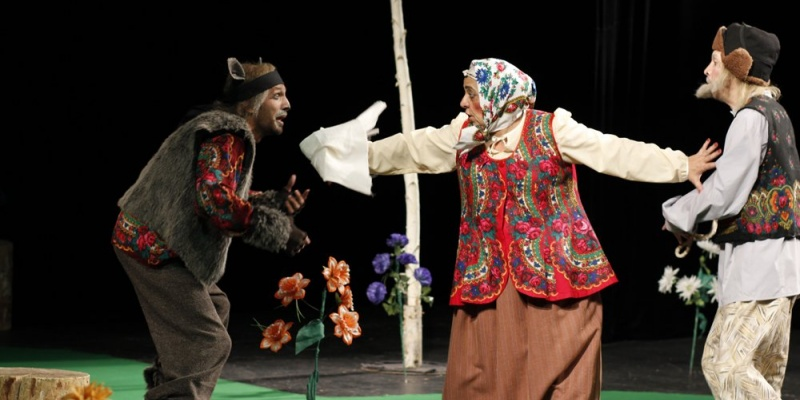 Оренбуржцы стоя аплодировали артистам из Таджикистана