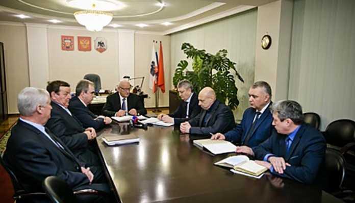 Юрий Берг встретился с руководством ОРМЕТО-ЮУМЗ и Орского завода электромонтажных изделий