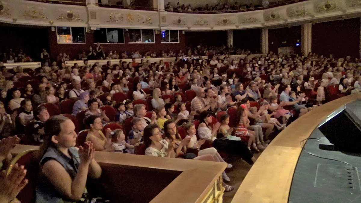 Оренбургская музкомедия удивила самарского зрителя