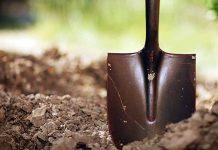 Лопата земля огород