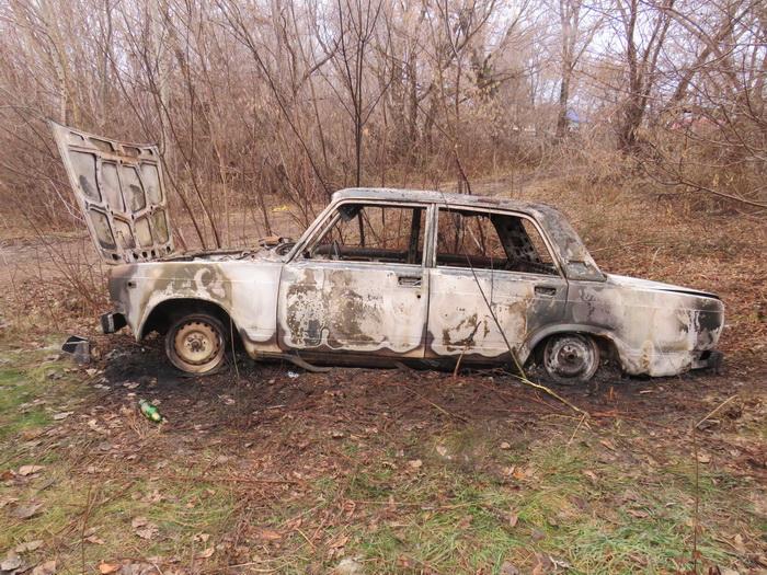 """Чтобы не """"спалиться"""" угонщик сжег автомобиль"""