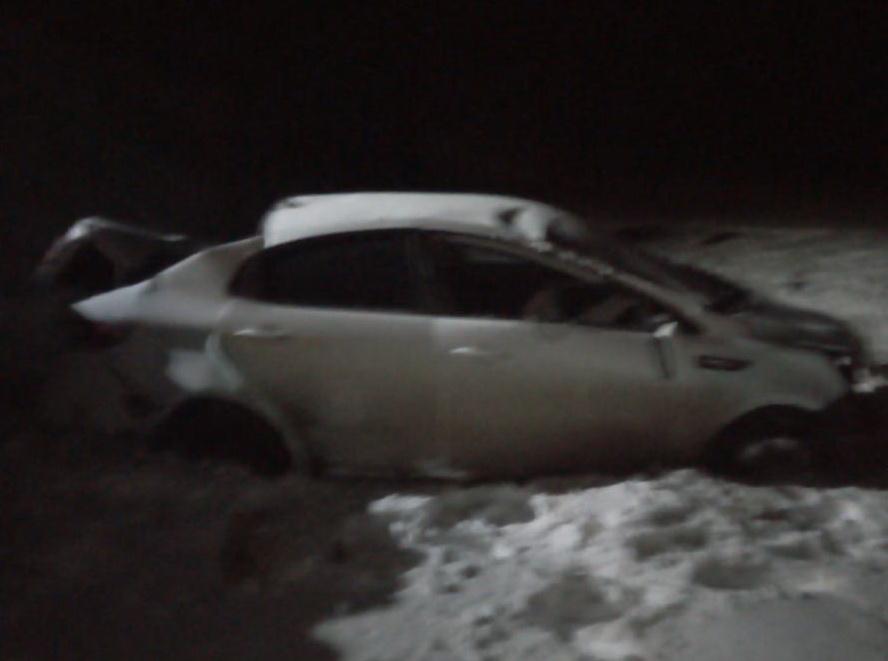 Автомобиль слетел в кювет на трассе Оренбург - Казань