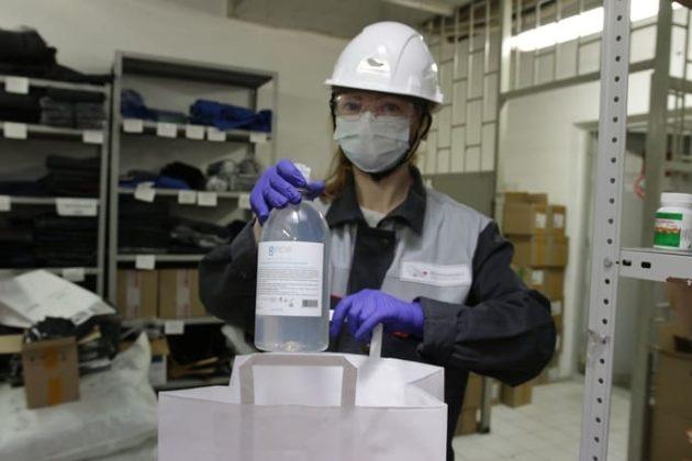 Металлоинвест обеспечивает работников Уральской Стали средствами защиты от вирусных инфекций